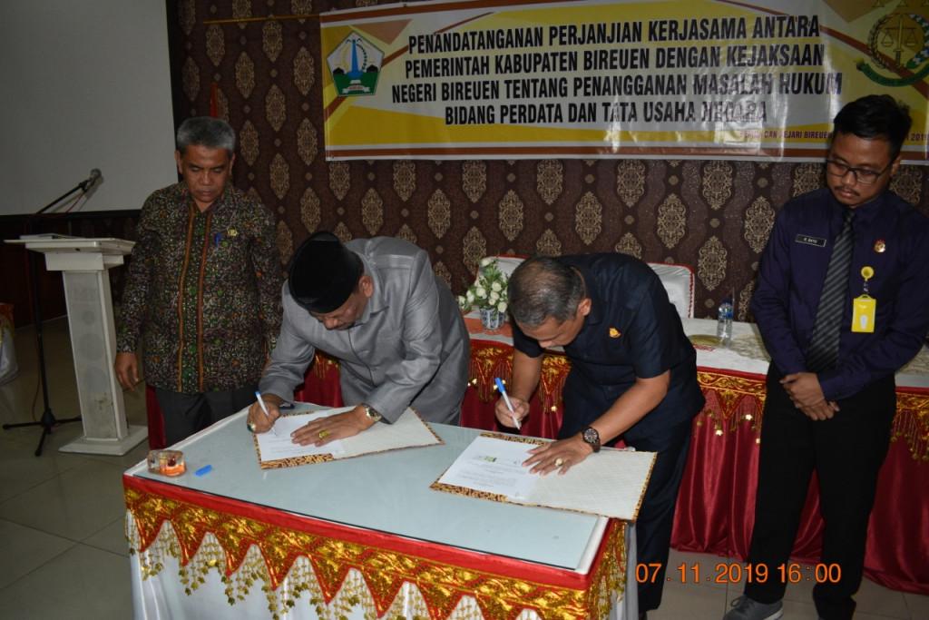 Perjanjian kerjasama yang dijalin adalah penanganan masalah hukum bidang perdata dan tata usaha negara di lingkungan Pemerintah Kabupaten Bireuen