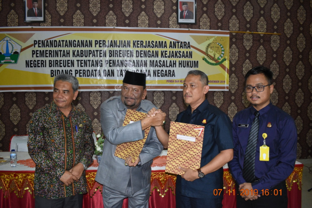 Komitmen Bersama yang ditandatangani terkait Pemindahan Lokasi Pembangunan RS Regional di Desa Cot Buket Kecamatan Peusangan Kabupaten Bireuen